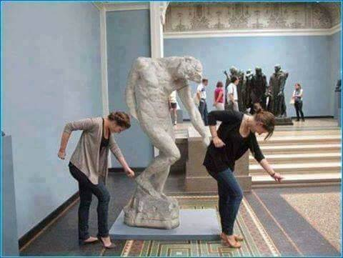 Dance like no one is watching with Statue