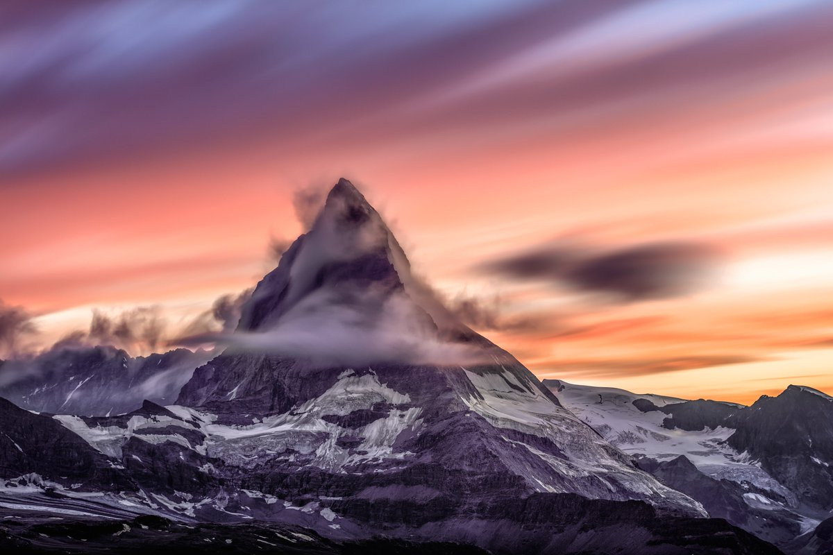 Stunning photo of the Matterhorn. I want to go there
