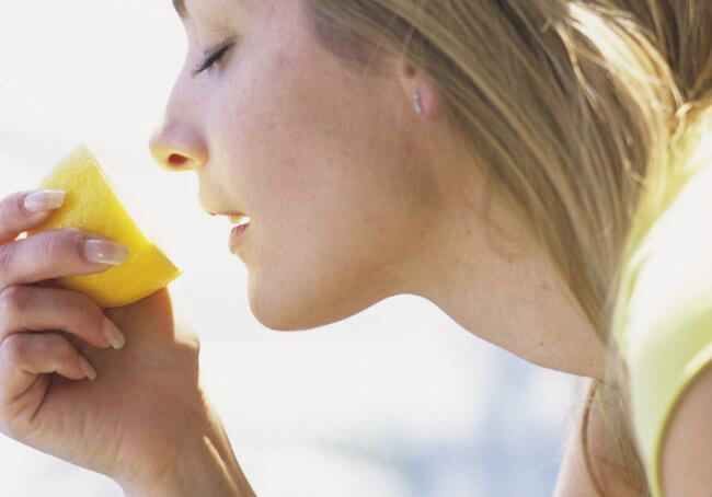 Lemon aroma will improve the functioning of your lungs and prevent breathing problems.